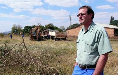 Die laaste Blanke Boere in Zimbabwe word weggejaag